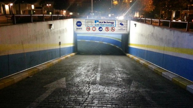 PARKING-LOSCARMENES-ENTRADA